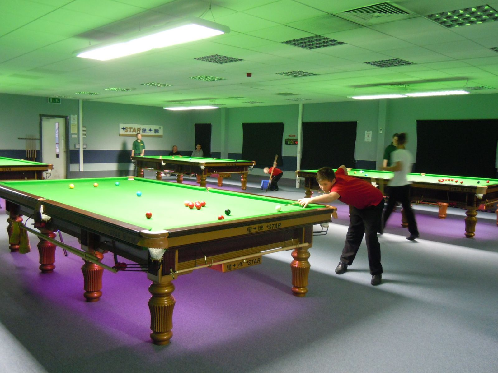 Junior Schools Star Snooker Academy - Star pool table